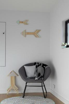 diy plywood Arrows on wall